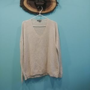 Vince cashmere sweater size M in EUC